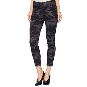 Levis 711 Skinny Ankle Midrise Camouflage Jeans